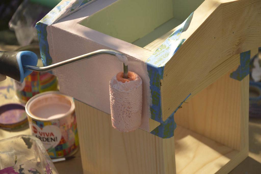 malowanie domku wałek